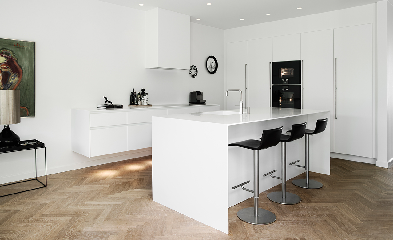 A classic Form 6 design kitchen in the patrician's villa in Odense, Denmark