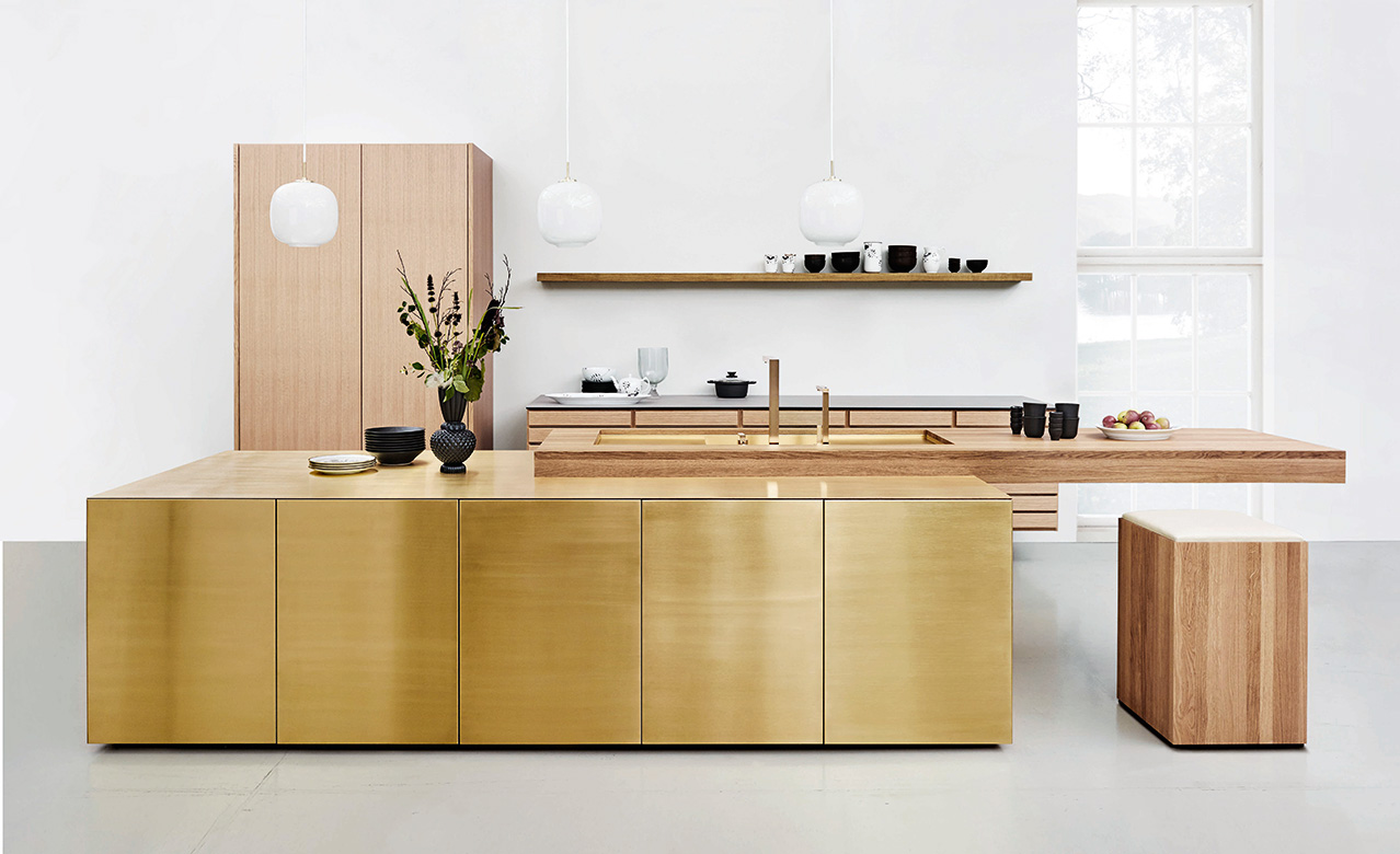 In 2017 Multiform was rewarded with the Archiproducts Design Award for this bespoke brass kitchen