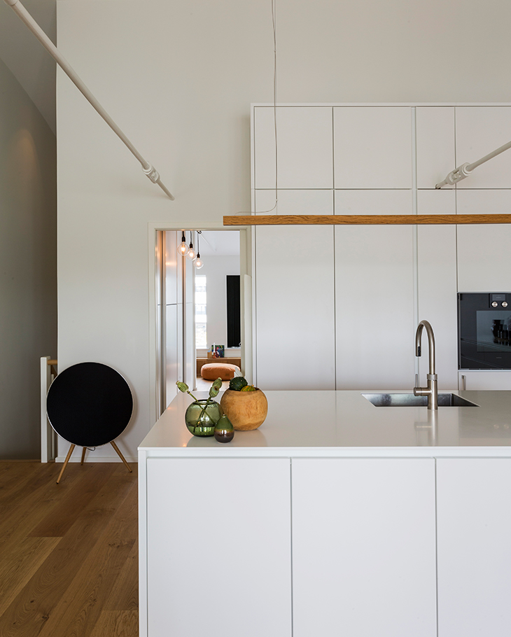 The family decided on a white Form 6 kitchen. A classic and timeless choice.