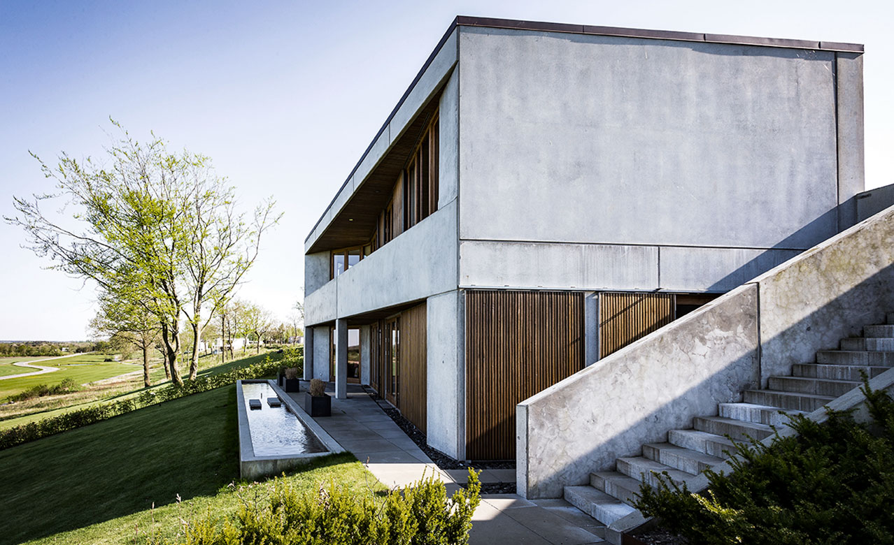 A concrete house fitted with a Form 2 kitchen from Multiform